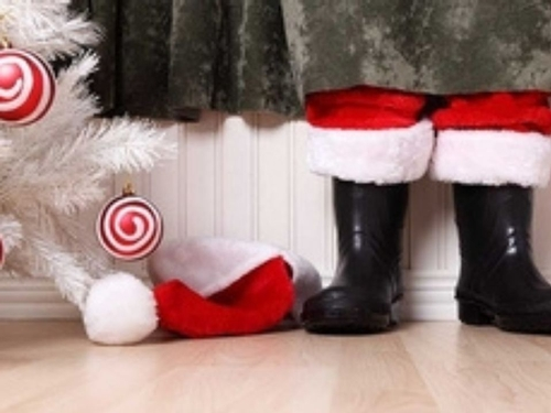 6 ways to protect your wooden floor during the Holidays