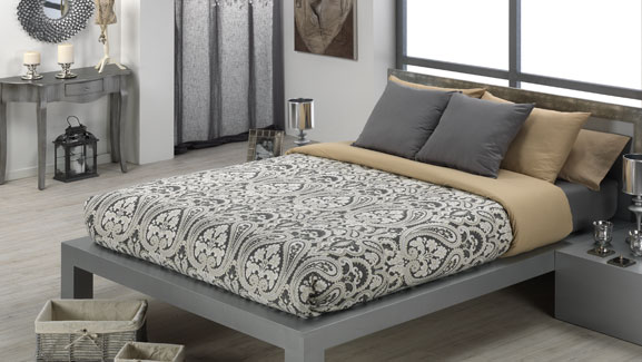 Couvre lit douillette d coration int rieure d co for Housse couette couvre lit