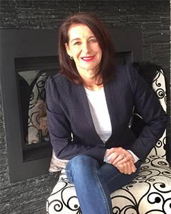 Caroline Tremblay, propriétaire et designer, Centre Art Déco, Alma QC